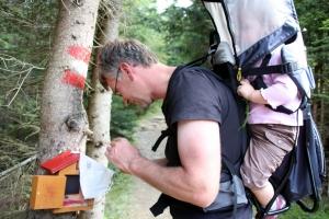 Hermann und Catharina sammeln fleißig Stempel