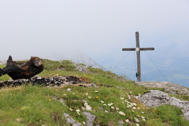 Das Gipfelkreuz des Stoderzinken auf 2.048 m Seehöhe