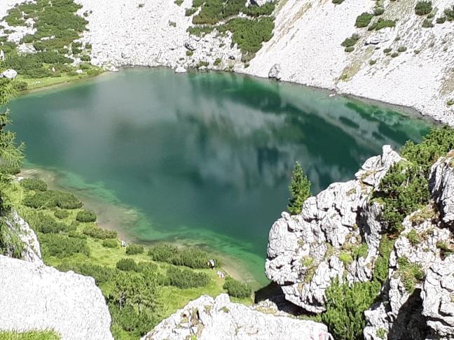 Der tief grüne Silberkarsee